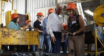 La ministra Ciciliani visitó la fábrica de herramientas Bahco