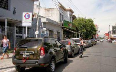 Estacionar en el centro de las ciudades bonaerenses cuesta hasta 20 pesos la hora