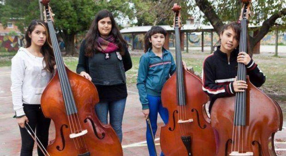 Un mes después y por mail, Vidal despidió más de 100 profesores de Orquestas y Coros populares