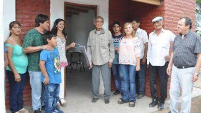 Entrega de viviendas sociales en la localidad de San Justo