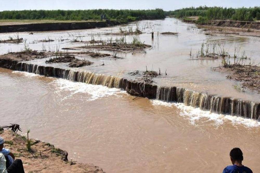 Urtubey analizó la situación ante la crecida del río Pilcomayo