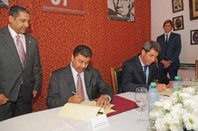 Firmaron el préstamo de U$S 50 M del fondo Kuwaití para el Acueducto
