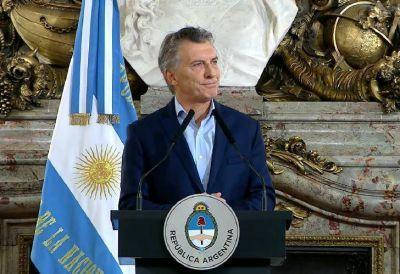 """El decreto contra los familiares en el Gobierno levanta críticas: """"Es estigmatizante"""""""