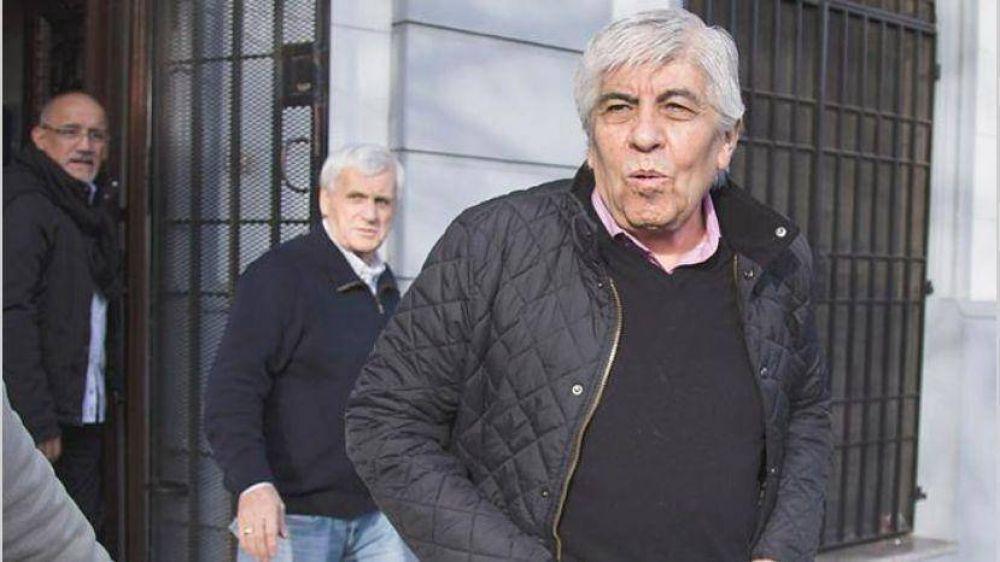 Gremios 'dialoguistas' bloquean ofensiva de Moyano y cruje la CGT