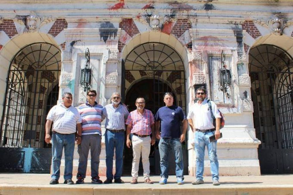Trabajadores de Fanazul llevaron el reclamo por la reincorporación al gobierno provincial