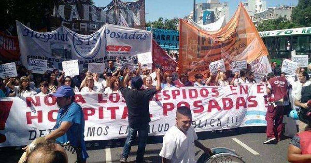 Trabajadores del Posadas reclamaron la reincorporación de los 122 despedidos