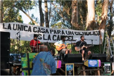 """Nuevo repudio a Etchecolatz con un """"ruidazo"""" en Mar del Plata"""