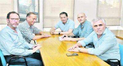 Familiares: más adhesiones del PJ y rechazo a congelamiento de sueldos