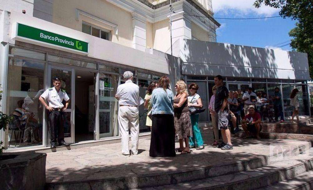 """Descontarán los días de paro a trabajadores del Banco Provincia: """"Es un apriete"""""""