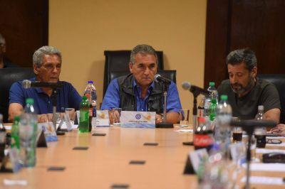 Sin la UOM, la UTA ni la UOCRA: conforma Moyano una débil alianza sindical para la lucha contra Macri