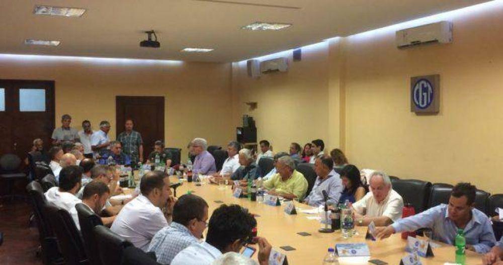 Los Gordos se plantaron y buscaron vaciarle a Moyano la reunión de Comisión Directiva de la CGT