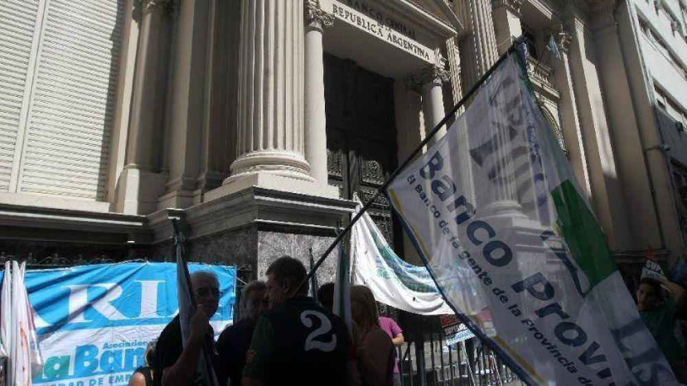 Tras anuncio de paro, bancos insisten con paritaria atada a la inflación