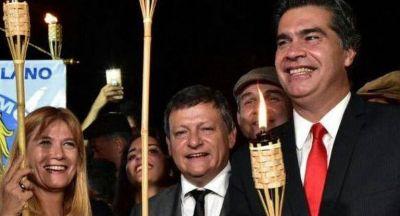 Triple factura peronista amortigua otra caída de Macri en encuestas