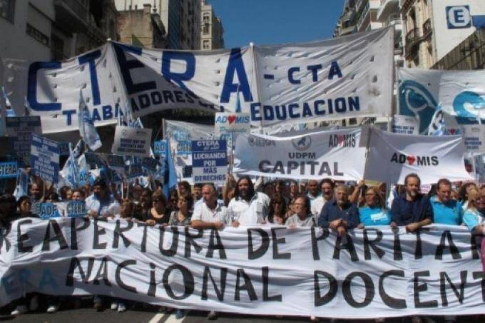"""Docentes de la CTA aseguran que """"las clases no inician sin paritarias o con 15% de tope salarial"""""""