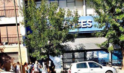 En La Plata despidieron a cinco trabajadores de ANSES y entre ellos hay un discapacitado
