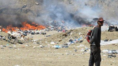 Bergman escuchó reclamo de diputados caletenses por los residuos urbanos