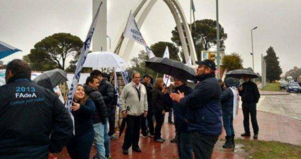 Además de los despidos, Fadea suspende 550 operarios