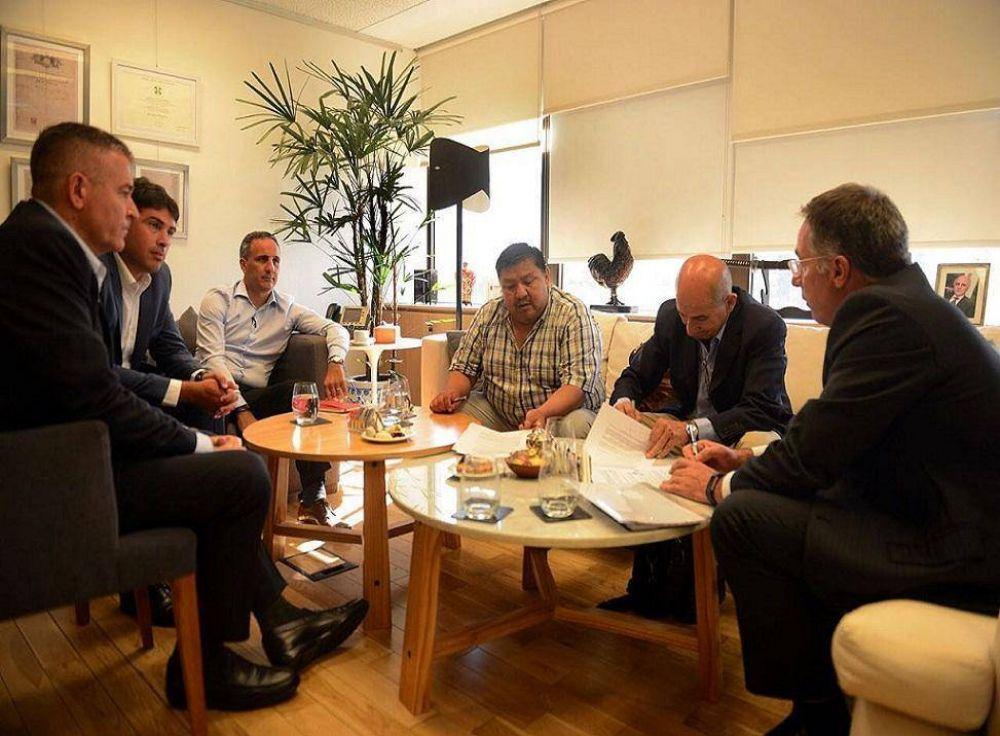 Ávila anunció la salida de nuevos equipos en la Cuenca