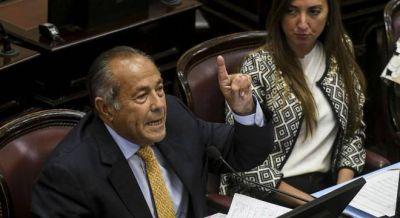 Rodríguez Saá rompió el interbloque federal y afianzó su alianza con Cristina