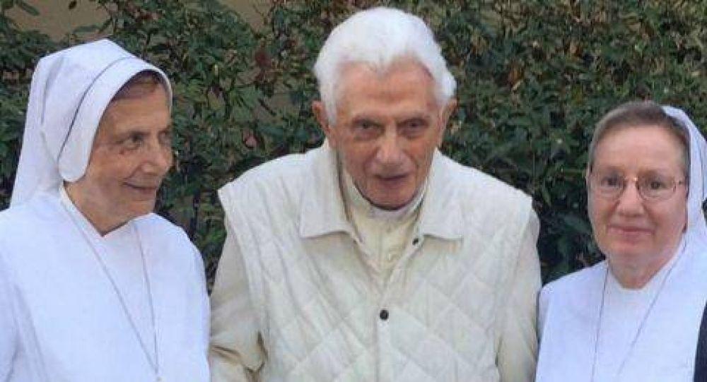 Benedicto XVI se despide de sus fieles y anuncia que su vida se apaga