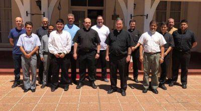 Obispado Castrense misiona en instituciones de Fuerzas Armadas