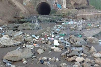 Vecinos y concejales: Preocupación por desagües pluviales y malos olores en la ciudad