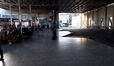 Un paro afecta a una de las líneas de micros para viajar a Capital