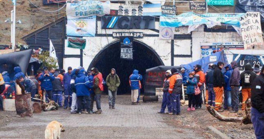 La intervención ratifica los despidos y los mineros toman Río Turbio