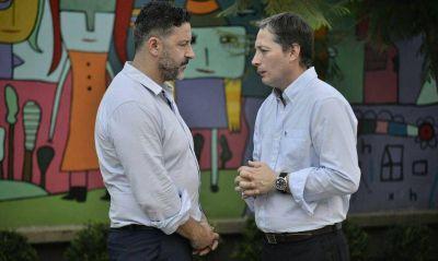 En una señal a los intendentes del interior, Menéndez no adhiere al Pacto Fiscal
