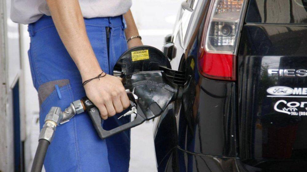 El litro de nafta ya supera los 32 pesos en el interior