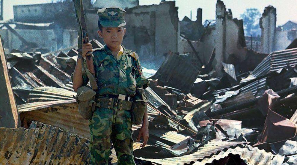 Papa Francisco denuncia en Twitter la tragedia de los niños soldado