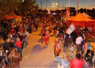 López acompañó el cierre del Carnaval de Quequén 2018
