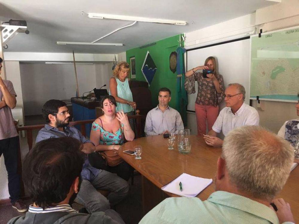 El kirchnerismo alza la guardia por los despidos de 160 trabajadores de la salud en Pinamar