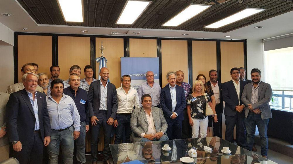 La Unión Ferroviaria firmó unificación de Convenios en el transporte de pasajeros