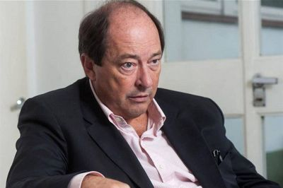 El silencioso alejamiento de Ernesto Sanz del Gobierno