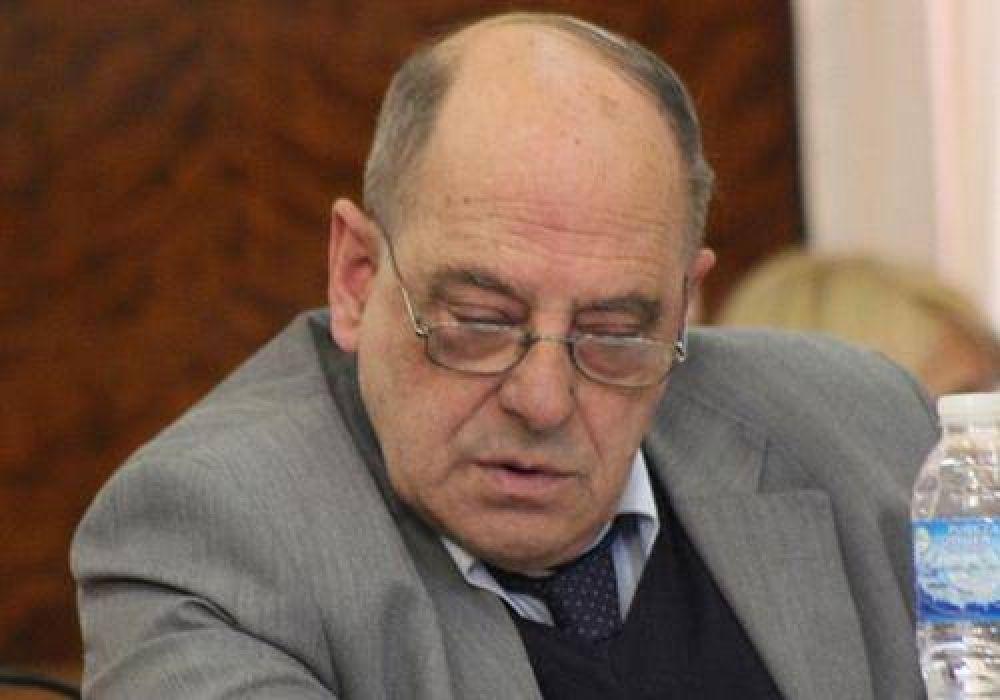 'Cholo' García contundente contra Carlos Arroyo