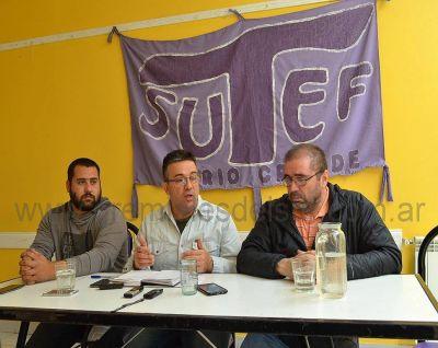 """""""Hay compañeros que llevan 4 meses sin cobrar un peso"""", Héctor López Auil"""