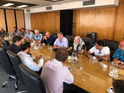 Gremios reiteran reclamo por fuentes laborales en el Puerto de Buenos Aires