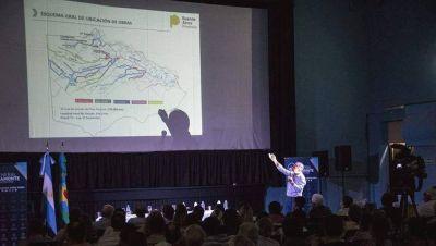Disertación sobre obras hidráulicas proyectadas del Río Salado en el Distrito