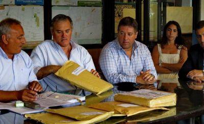 Se presentaron tres ofertas para ampliar el predio de residuos: fuertes críticas al gobierno de Pulti