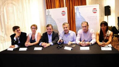 La UCR criticó los errores no forzados del Gobierno y reclamó más participación