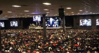 Encuentro de Luis Palau con 10.000 pastores en Colombia a través de FaceTime