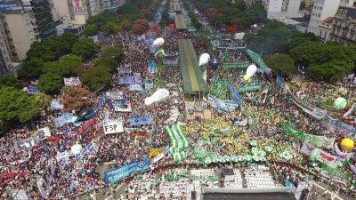 Mauricio Macri no afloja en su pelea con los gremios: quiere cambiar el reparto de plata a las Obras Sociales