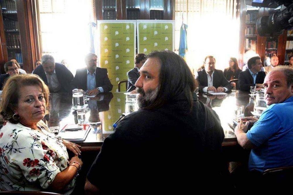 Vidal subió la oferta por presentismo, pero los docentes la rechazaron