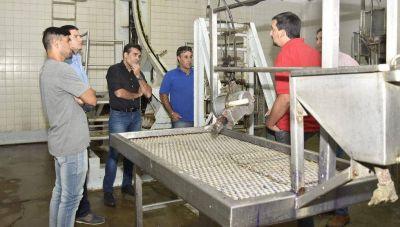 López recorrió el Matadero Municipal, apoyó a los trabajadores y destacó la producción