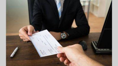 Impuesto al cheque: a pesar que tienda a desaparecer la Justicia lo revive