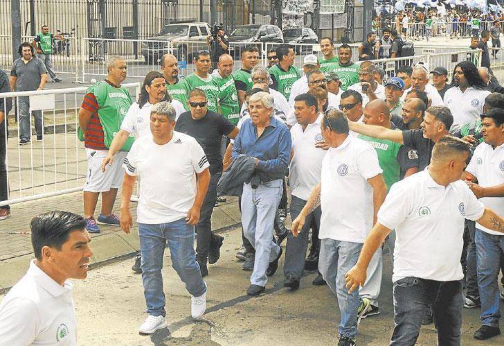 Moyano espera una señal del Gobierno que todavía no llega