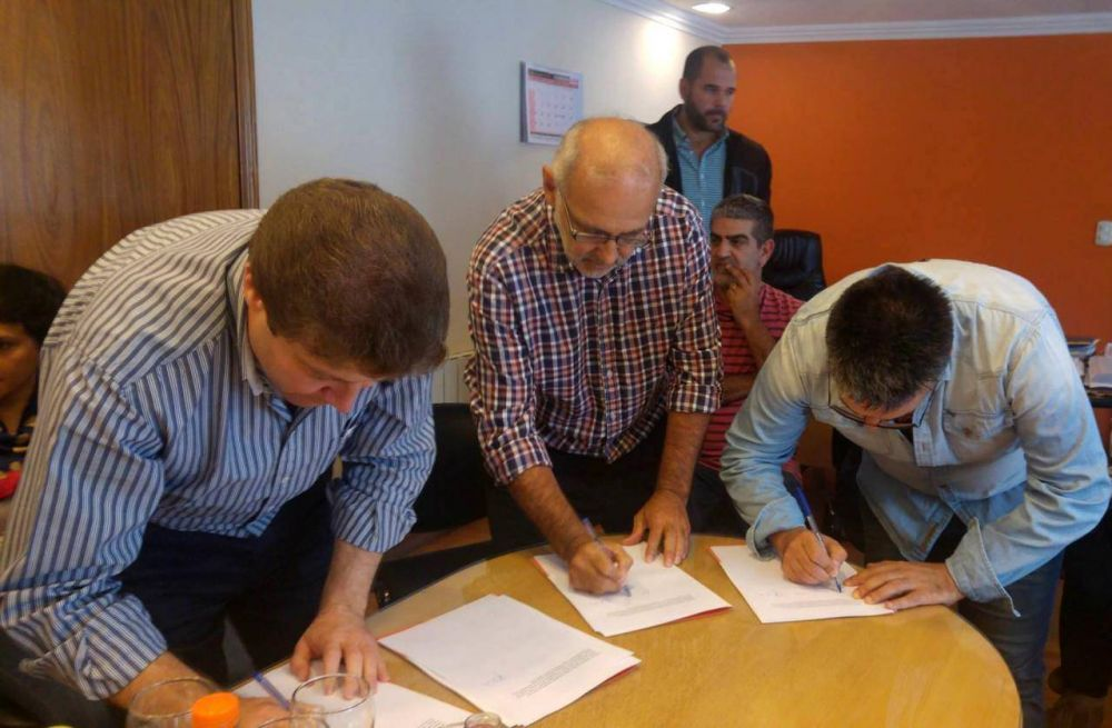 Firma de convenio para la implementación de los Bachilleratos Populares