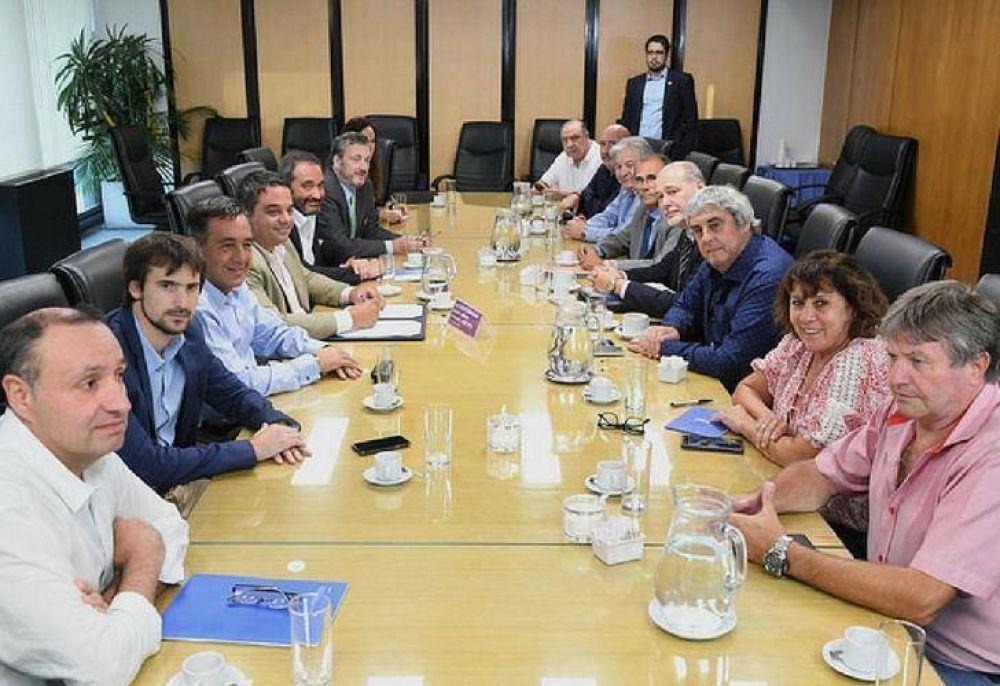 El Gobierno se reunió con gremios docentes a una semana del inicio de clases