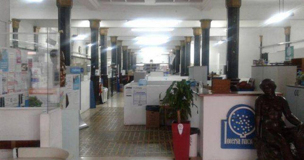 Otra vez despidos masivos en el Estado: 160 cesanteados en Lotería Nacional